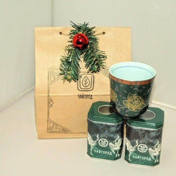 """""""Новогодняя встреча"""" подарок с элитным черным и зеленым чаем и фарфоровой чашкой"""